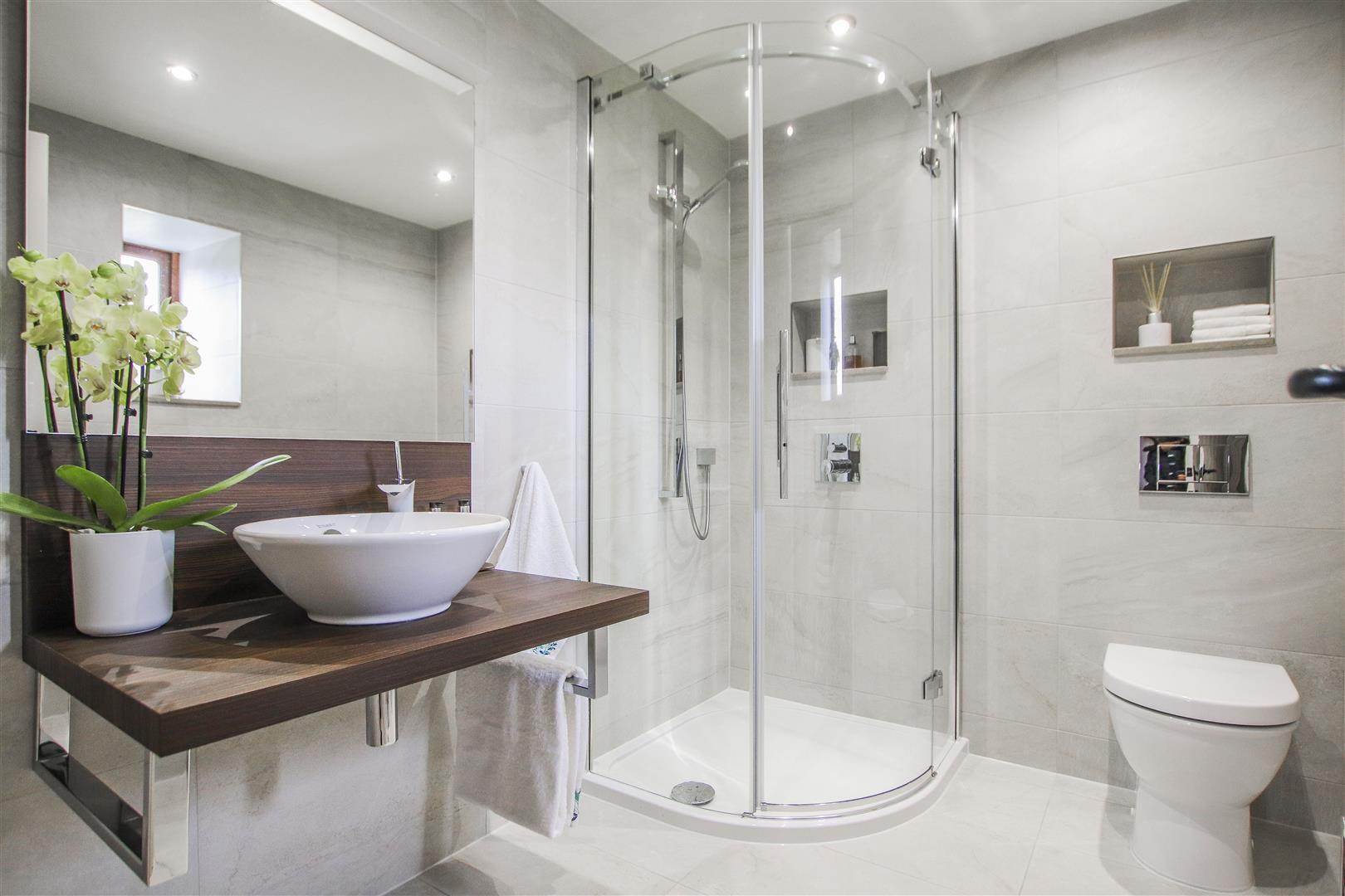 5 Bedroom Semi-detached House For Sale - 17.JPG